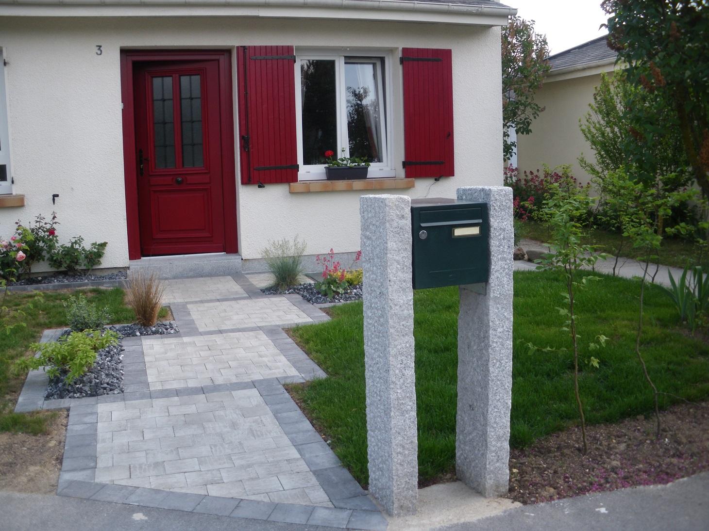 Paysagiste entree de maison stunning jardin duentre with for Jardin entree maison