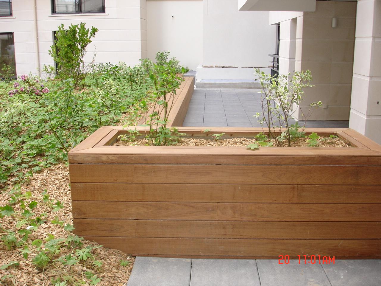 Réalisation d'espaces verts et aménagements divers pour les promoteurs immobiliers