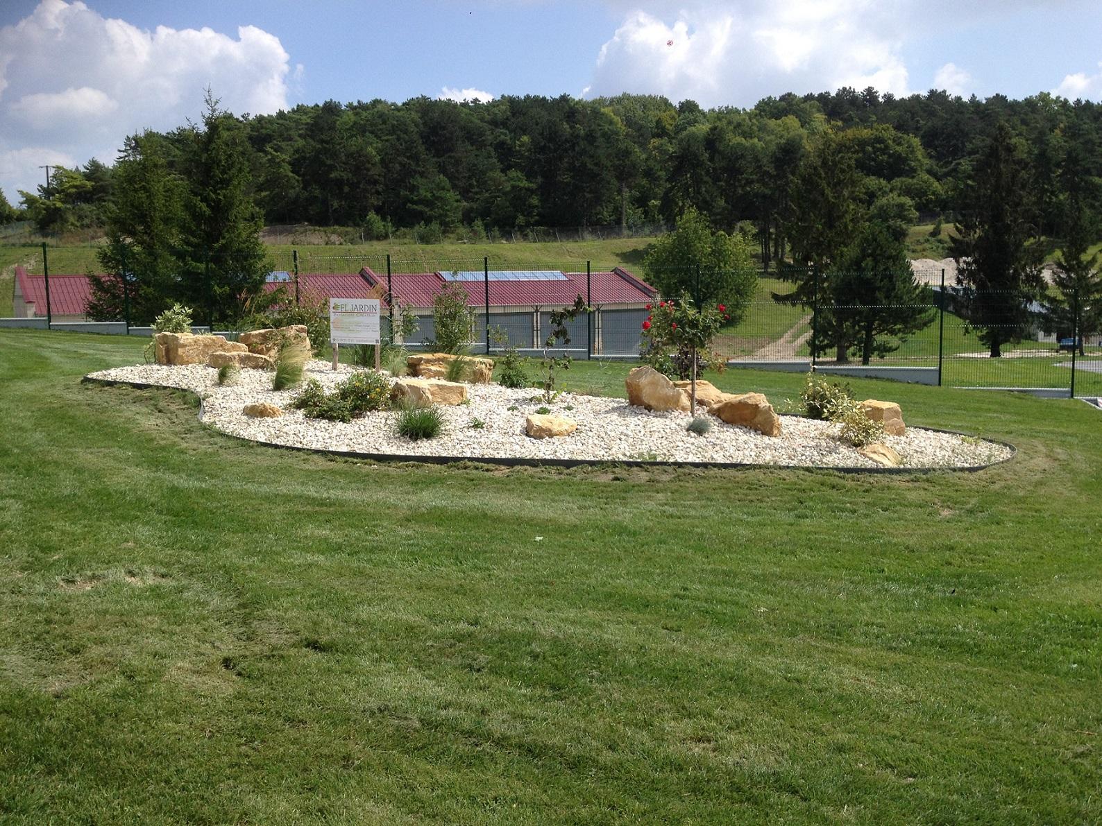 Entretien des espaces verts, aménagement de parcs et jardins pour les sièges sociaux d'entreprises