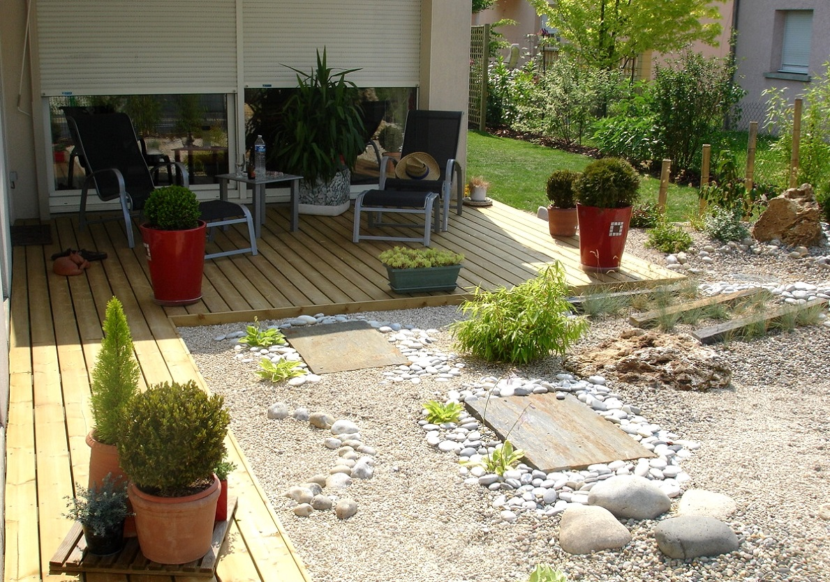 Cr ation et terrasse en bois fl jardin paysagiste dans for Paysagiste pour terrasse