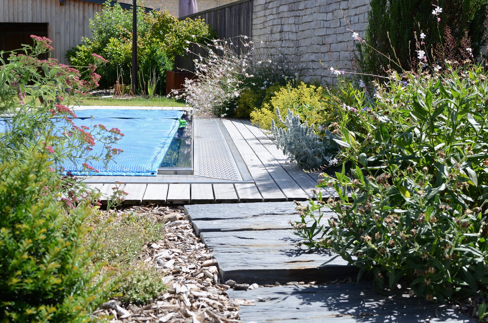 Am nagement de piscine fl jardin paysagiste cr ateur - Amenagement autour piscine photos ...